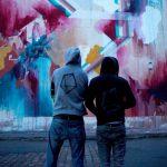 Un artiste allemand peint les murs du Doha Fire Station